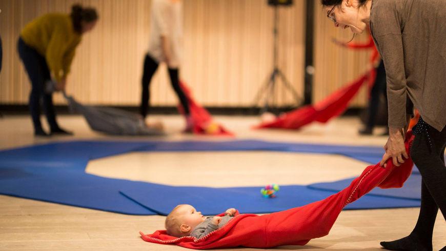 Babydans - Bilde barn og mor - NETT
