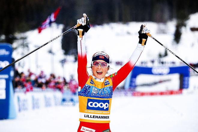 HELT ÖVERLÄGSEN. Therese Johaug såg inte mycket till konkurrenterna under skiathlontävlingen i Lillehammer. Foto: NORDIC FOCUS