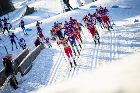 07.12.2019, Lillehammer, Norway (NOR):Johannes Hoesflot Klaebo (NOR), Iivo Niskanen (FIN), Emil Iversen (NOR), Hans Christer Holund (NOR), Sjur Roethe (NOR), Alexander Bolshunov (RUS), Perttu Hyvarinen (FIN), +m+, Jens Burman (SWE), Andrey Larkov (RUS),