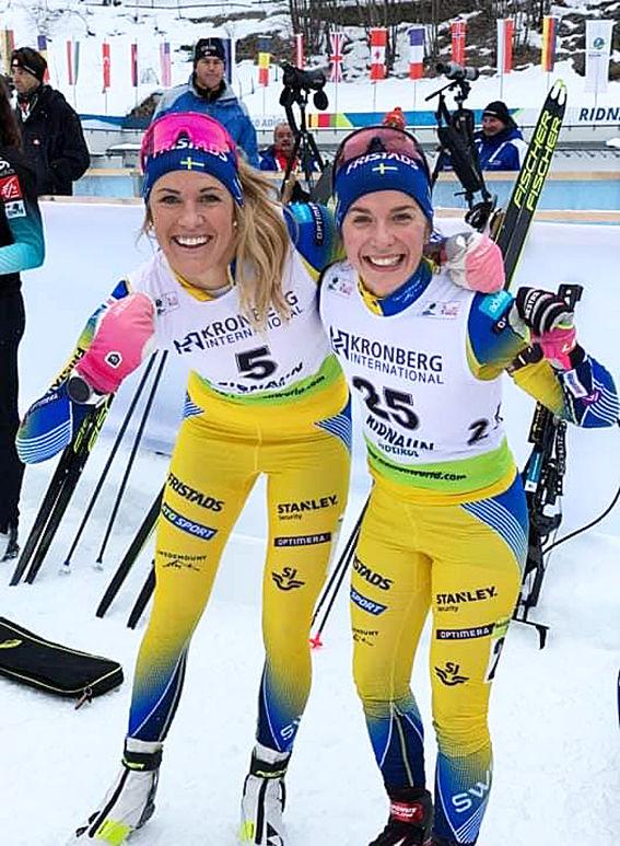 INGELA ANDERSSON (tv) vann supersprinten i IBU-cupen i italienska Ridnaun medan Anna Magnusson (th) var fyra. Foto: SSSF