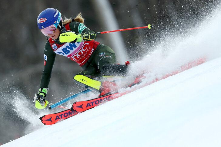 KILLINGTON, VERMONT - DECEMBER 01: Mikaela Shiffrin of the United States skis the first run of the Women