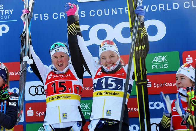 SÅ GLADA var Maja Dahlqvist och Linn Svahn över segern i teamsprinten i världscupen i Dresden. Foto/rights: KJELL-ERIK KRISTIANSEN/kekstock.com