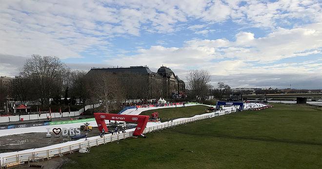 HELGENS VÄRLDSCUP i Dresden arrangerades på en 650 meter lång konstsnöslinga och med ca 10 graders värme på lördagen. Foto/rights: KJELL-ERIK KRISTIANSEN/kekstock.com