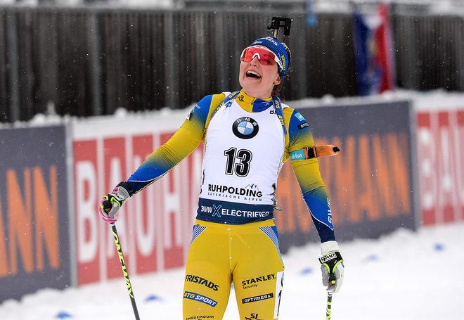 DEN STÖRSTA SKRÄLLEN var Johanna Skottheim som aldrig varit bättre än 13:e men som nu slutade sensationell 4:a i jaktstarten inför storpubliken i Ruhpolding. Foto: NORDIC FOCUS