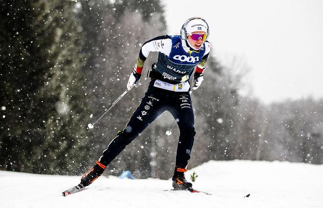 EMMA RIBOM fortsätter i världscuplaget också kommande helg i tyska Oberstdorf. Foto: NORDIC FOCUS
