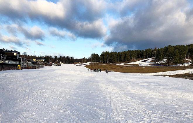 ARRANGÖREN har gjort et stort arbete inför helgens cuptävlingar och den nordiska juniorlandskampen på Lugnet. Foto: FALUN-BORLÄNGE SK