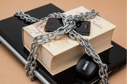 Personvern er både forbrukerrett og en borgerrett, og myndighetene har et ansvar for å sikre denne rettigheten, mener Eivind Arvesen. Illustrasjonsfoto: Pixabay