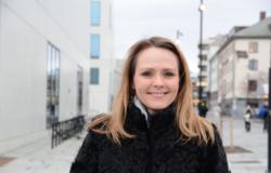 Arild Haraldsen, fast skribent for digi.no, stiller spørsmål til distrikts- og digitaliseringsminister Linda Hofstad Helleland. Foto: Regjeringen
