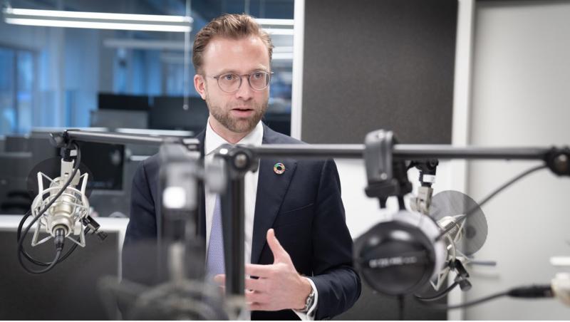 Kommunal- og moderniseringsminister Nikolai Astrup er redd for en fragmentering av Internett. Foto: Eirik Helland Urke.