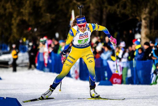 HANNA ÖBERG gjorde ett jättelopp i den mixade stafetten, men dom tre andra svenskarna levererade inte som förväntat. Foto: NORDIC FOCUS