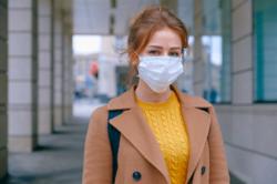 – Dette er svært viktig kunnskap for å vurdere hvordan viruset kan smitte, og hvilke tiltak som er relevante, sier Gunnveig Grødeland til forskning.no. Hun er forsker ved avdeling for immunologi ved Universitetet i Oslo. Illustrasjonsfoto: Anna Shvet