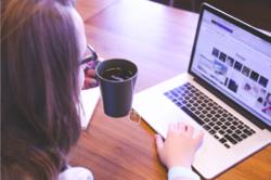 – Vi har sett at det er utrolig viktig å bruke video og snakke sammen, framfor å bare dele tanker og behov skriftlig. Videomøter bør rett og slett være et obligatorisk verktøy for team som ikke sitter sammen, sier forsker Nils Brede Moe i SINTEF.