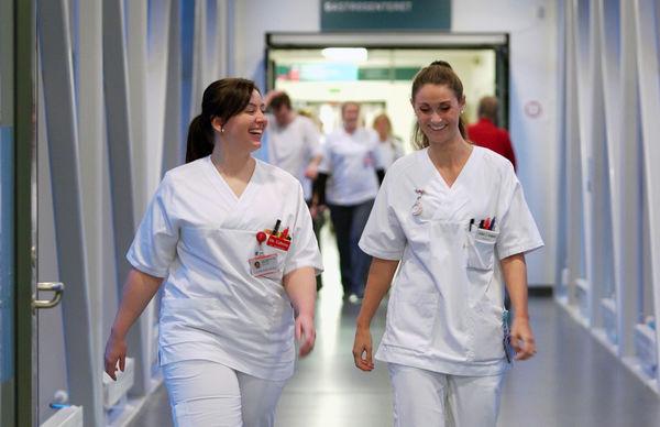 Sykepleiere Still