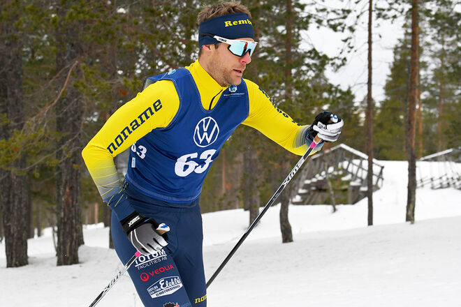 JIMMIE JOHNSSON – här i Rembo IK:s tävlingsdräkt – lägger tävlingsskidorna på hyllan. Foto/rights: ROLF ZETTERBERG/kekstock.com