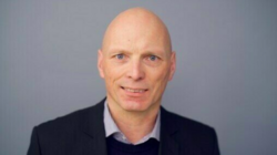 «Tillit tar lang tid å bygge opp, men kort tid å rive ned.Offentlig sektor i Norge assosieres med en forvaltningskultur preget av verdier som demokrati, rettssikkerhet, faglig integritet og effektivitet. Det er viktig at innføringen og bruken av kun