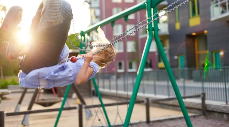 –Målrettet arbeid fra Husbanken og kommunene med ulike leie-til-eie-modeller, har bidratt til at flere barnefamilier har kunnet etablere seg i egen bolig ved hjelp av lån og tilskudd, sier adm dir Osmund Kaldheim. Foto: Husbanken.