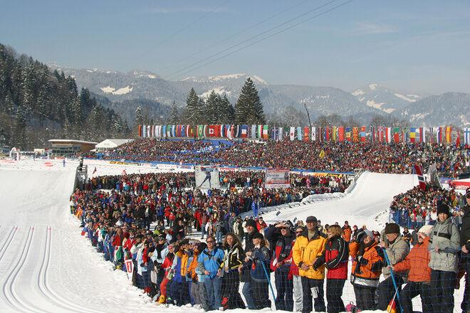 SÅ SÅG det ut under skid-VM i Oberstdorf senast i 2005. Så vill man också att det skall se ut i 2021, men det är inte alls säkert att det blir något VM kommande vinter. Foto/rights: SARI KRISTIANSEN/kekstock.com