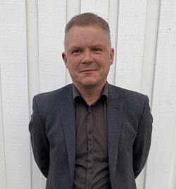 Rektor Finneidfjord skole_250x333.jpg