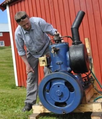 Aktiviteter på Herøy bygdesamling_båtmotorer