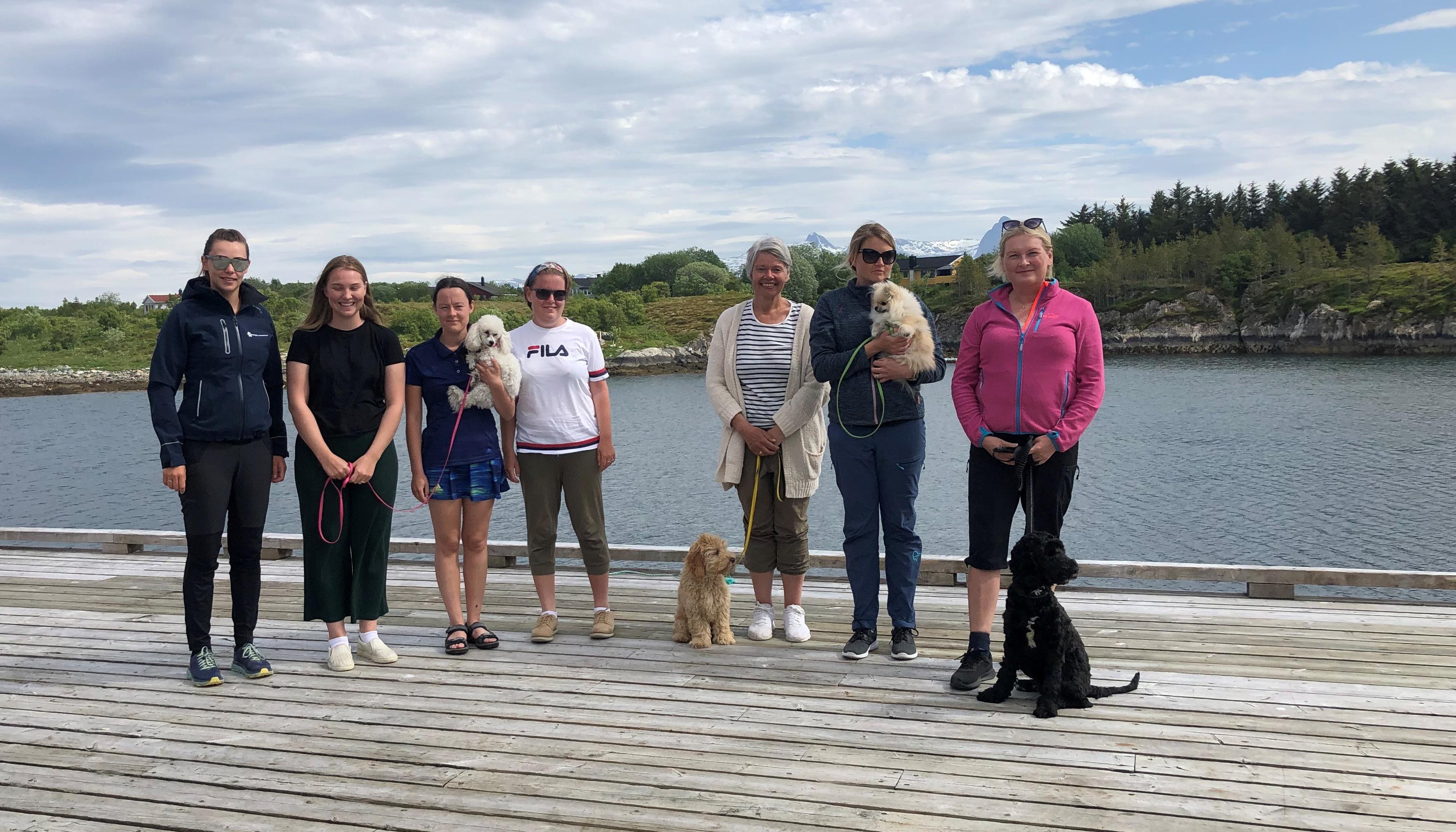 Hilde-Britt arrangerer hundekurs på Herøy