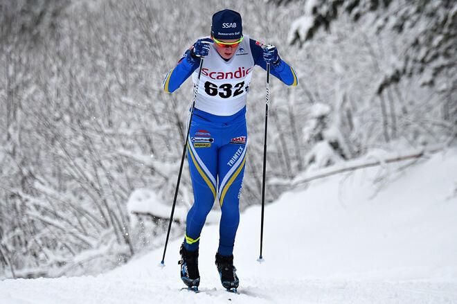 MAX ANDERSSON i Domnarvets dräkt är en av tre förstaårsseniorer som nu tar steget upp i Falun-Borlänge SK. Foto/rights: ROLF ZETTERBERG/kekstock.com