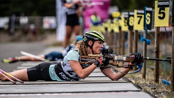 HANNA ÖBERG kom snabbt tillaka och vann SM-guld i distanstävlingen i Dala-Järna. Foto: NICKLAS OLAUSSON/Skidskytteförbundet