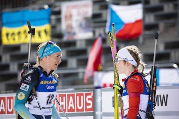 08.03.2020, Nove Mesto, Czech Republic (CZE):Anais Bescond (FRA), Emma Lunder (CAN), (l-r) - IBU world cup biathlon, mass women, Nove Mesto (CZE). www.nordicfocus.com. © Manzoni/NordicFocus. Every downloaded picture is fee-liable.