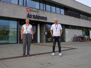 Kommuneoverlege i Ås Sidsel Storhaug, og beredskapskoordinator Bjørn-Erik Pedersen. Foto: Ås kommune/Ellen M. Ceeberg