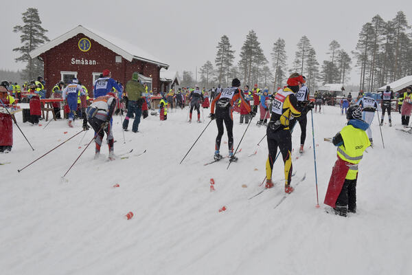01.03.2020, Mora, Sweden (SWE): Feature: Track atmosphere: Feeding station- Visma Ski Classics and FIS Marathon Cup Vasaloppet, Mora (SWE). www.nordicfocus.com. © Schmidt/NordicFocus. Every downloaded picture is fee-liable.