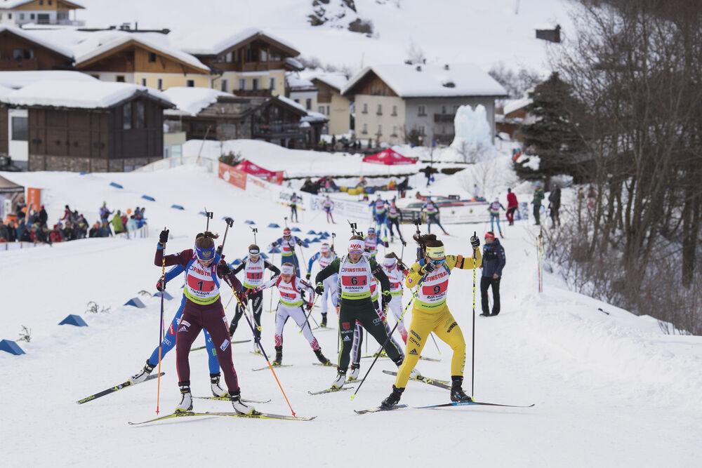 28.01.2018, Ridnaun, Italy (ITA):Victoria Slivko (RUS), Nadine Horchler (GER), Johanna Skottheim (SWE), (l-r) - IBU Open European championships biathlon, relay mixed, Ridnaun (ITA). www.nordicfocus.com. © Manzoni/NordicFocus. Every downloaded picture is