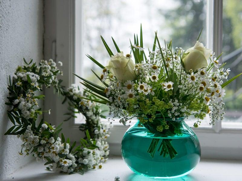 floriss-sommerblomster-tanacetum-brudeslor-bukett_.jpg