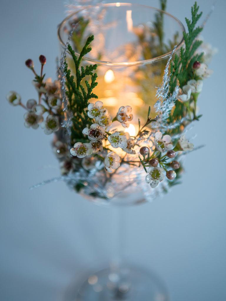 floriss-nyttaarsaften-lyslykt-med-blomsterdekor.jpg