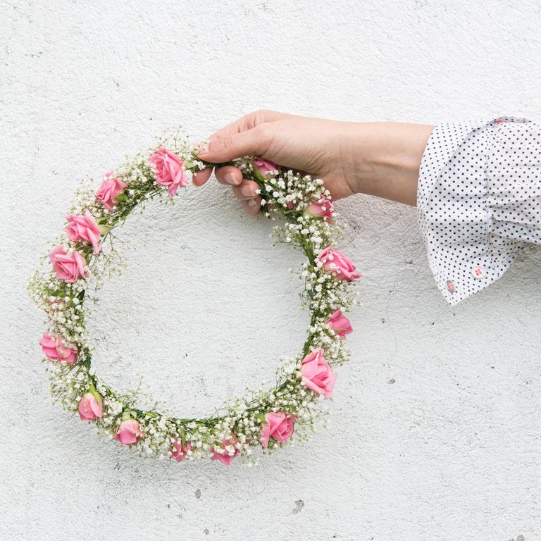 grenroser-blomsterkrans-haarpynt-velegnet.jpg