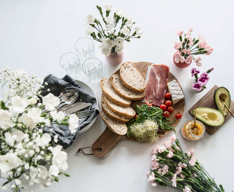 floriss-nellik-paa-frokostbordet.jpg