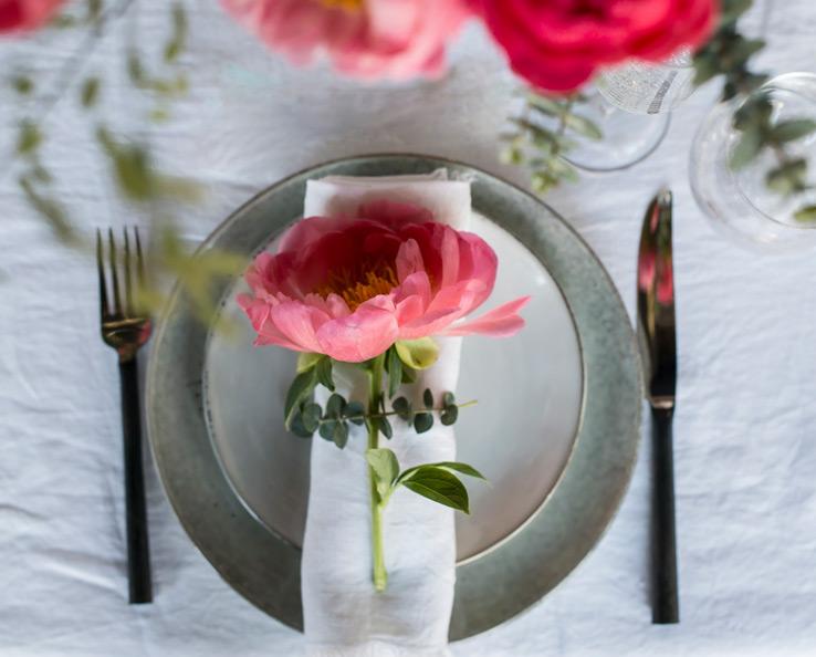 floriss-borddekking-blomster-pynting-peoner-2.jpg