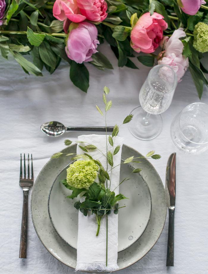 floriss-borddekking-festbord-tallerken-oppsett.jpg