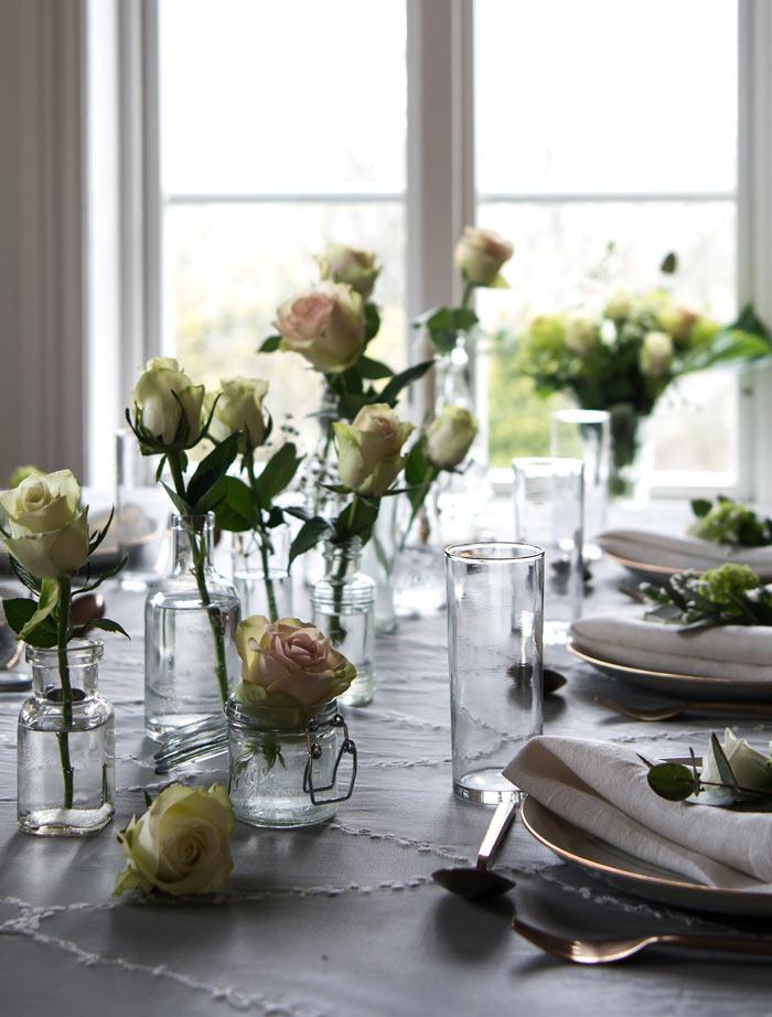 floriss-borddekking-festroser-passer-perfekt-til-festbordet.jpg