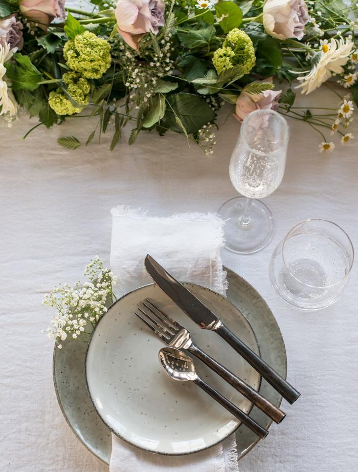 floriss-borddekking-dekorasjon-kuvertene-2.jpg