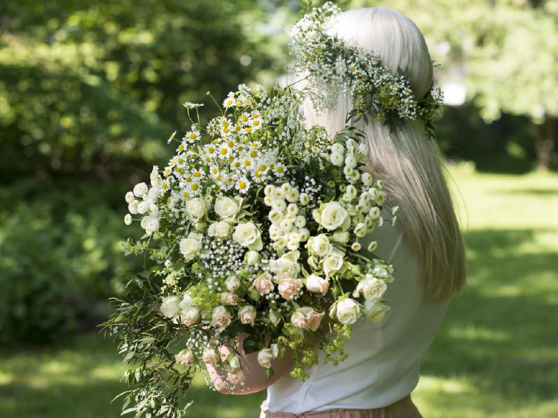 stor-blomsterkransbukett.jpg