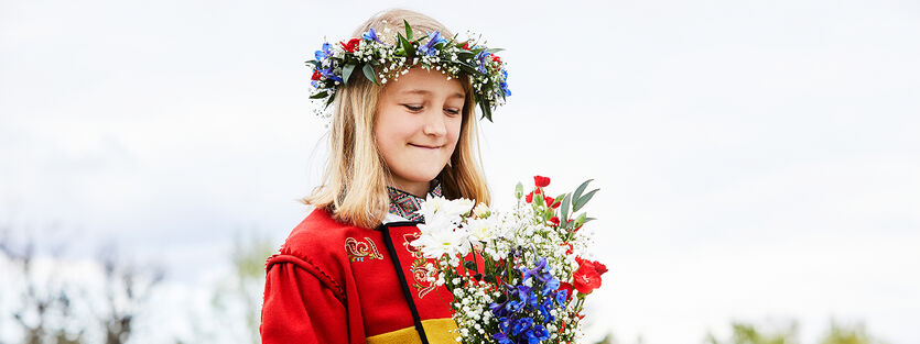 Lag din egen blomsterkrans til 17. mai
