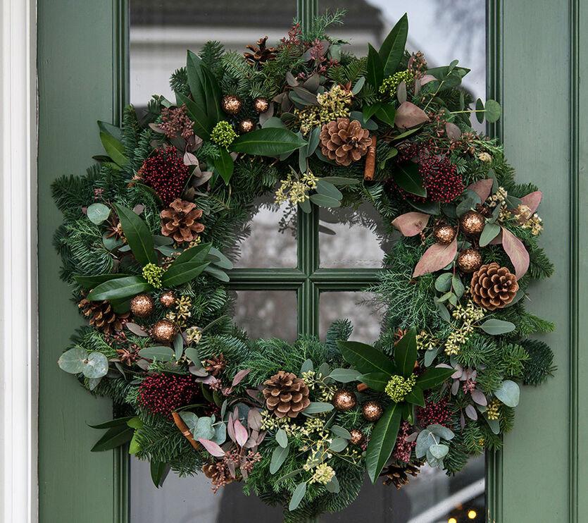 Slik lager du dørkrans til jul