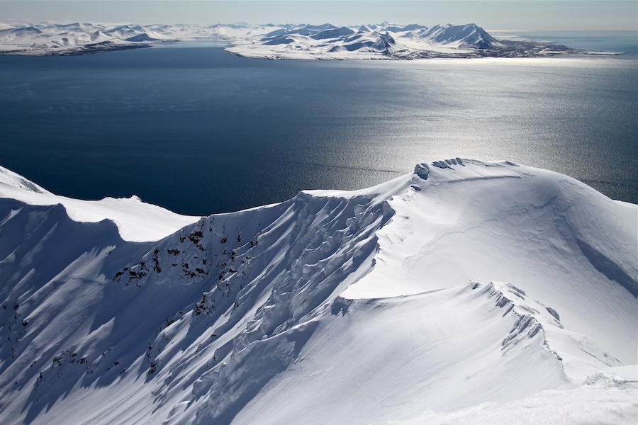 La vue depuis le sommet du Protektorfjellet - Spitzberg.JPG
