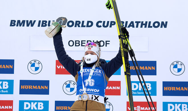 08.01.2021, Oberhof, Germany (GER):Tiril Eckhoff (NOR) -  IBU World Cup Biathlon, sprint women, Oberhof (GER). www.biathlonworld.com © Manzoni/IBU. Handout picture by the International Biathlon Union. For editorial use only. Resale or distribution is pr