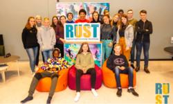 Ungdomsrådene i Nord-Troms får årlig opplæring i ungdomsrådsarbeid på RUST-konferansen. Foto: Marie Baird