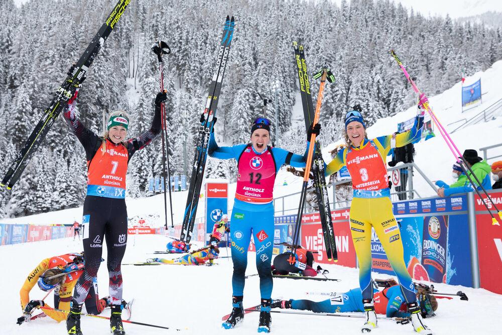 23.01.2021, Antholz, Italy (ITA):Lisa Theresa Hauser (AUT), Julia Simon (FRA), Hanna Oeberg (SWE), (l-r) -  IBU World Cup Biathlon, mass women, Antholz (ITA). www.nordicfocus.com. © Manzoni/NordicFocus. Every downloaded picture is fee-liable.