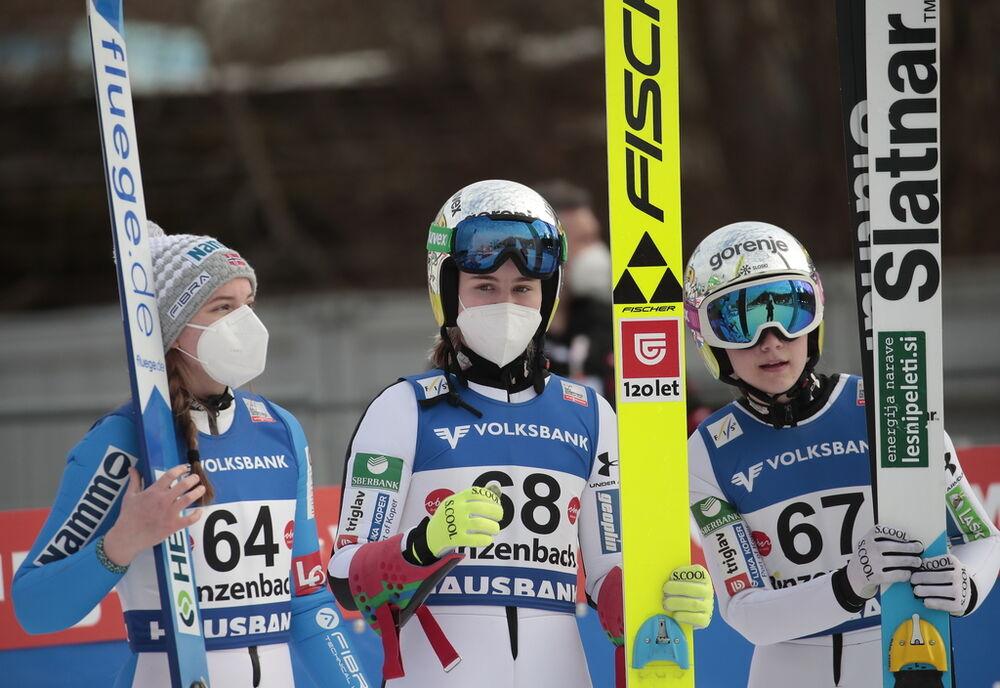 05.02.2021, Hinzenbach, Austria (AUT):Eirin Maria Kvandal (NOR), Nika Kriznar (SLO), (l-r)  - FIS world cup ski jumping women, individual HS90, Hinzenbach (AUT). www.nordicfocus.com. © Modica/NordicFocus. Every downloaded picture is fee-liable.