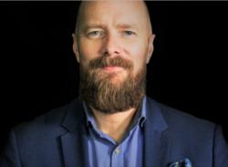 - Det finnes bare en ting som skiller alle selskap i hele Norge, og det er kulturen, sier Svante Randlert. - To banker gjør i utgangspunktet det samme, men det er kulturen som skiller dem fra hverandre. Kultur er noe man må leve, det er ingenting som kan fortelles. Foto: Oskar Omne.