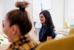 STAMI forsker på psykososiale arbeidsforhold for å utvikle kunnskap som kan brukes til å identifisere både faktorer som har gunstige og negative virkninger på arbeidsmiljø, helse, arbeidsevne, trivsel og produktivitet. Foto: Leon / Unsplash