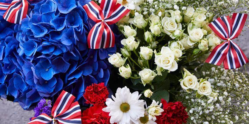 Blomster i flaggets farger