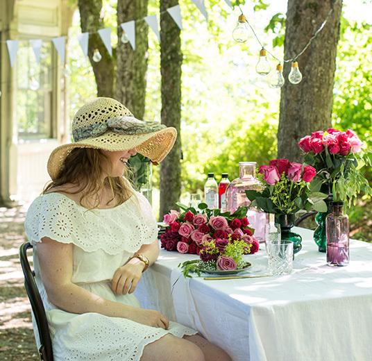 roser-til-fest-nydelig-borddekking-til-sommerfesten-3.jpg